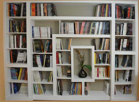 DIY-a-large-Bookcase